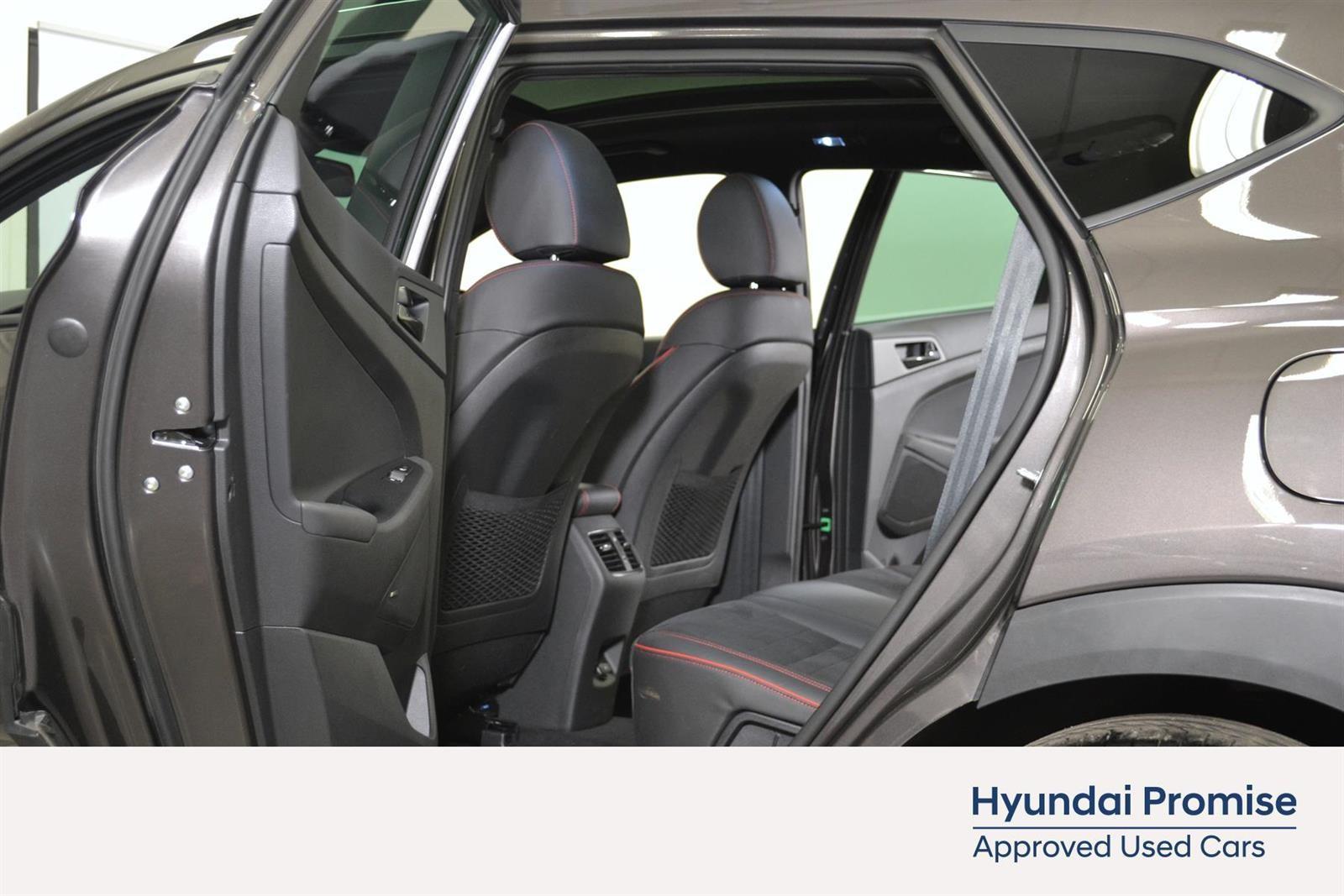 Hyundai Tucson Slide 12