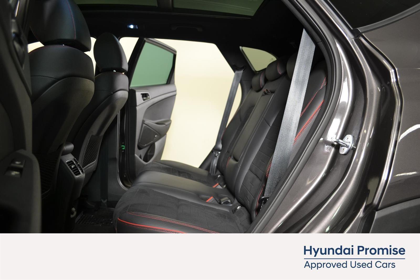 Hyundai Tucson Slide 13