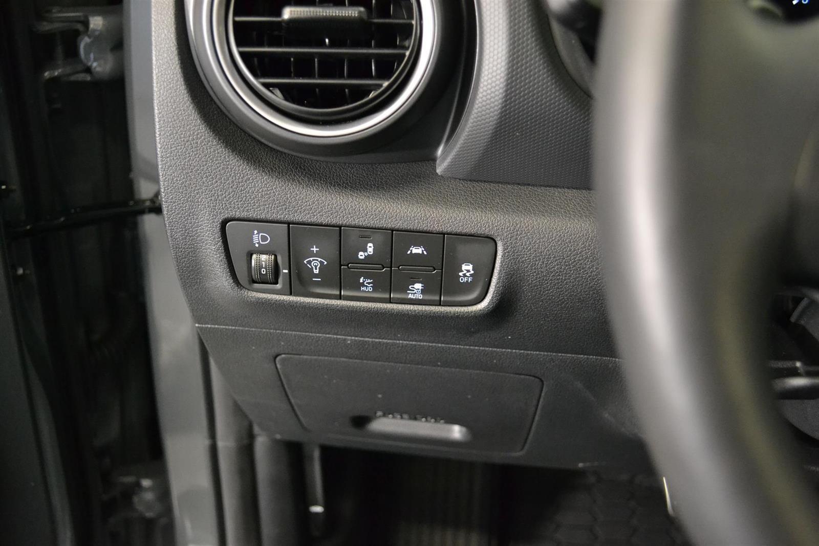 Hyundai Kona Slide 12