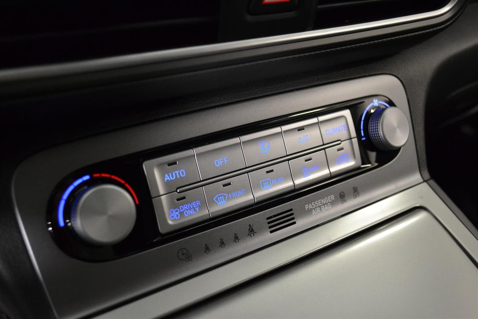 Hyundai Kona Slide 18