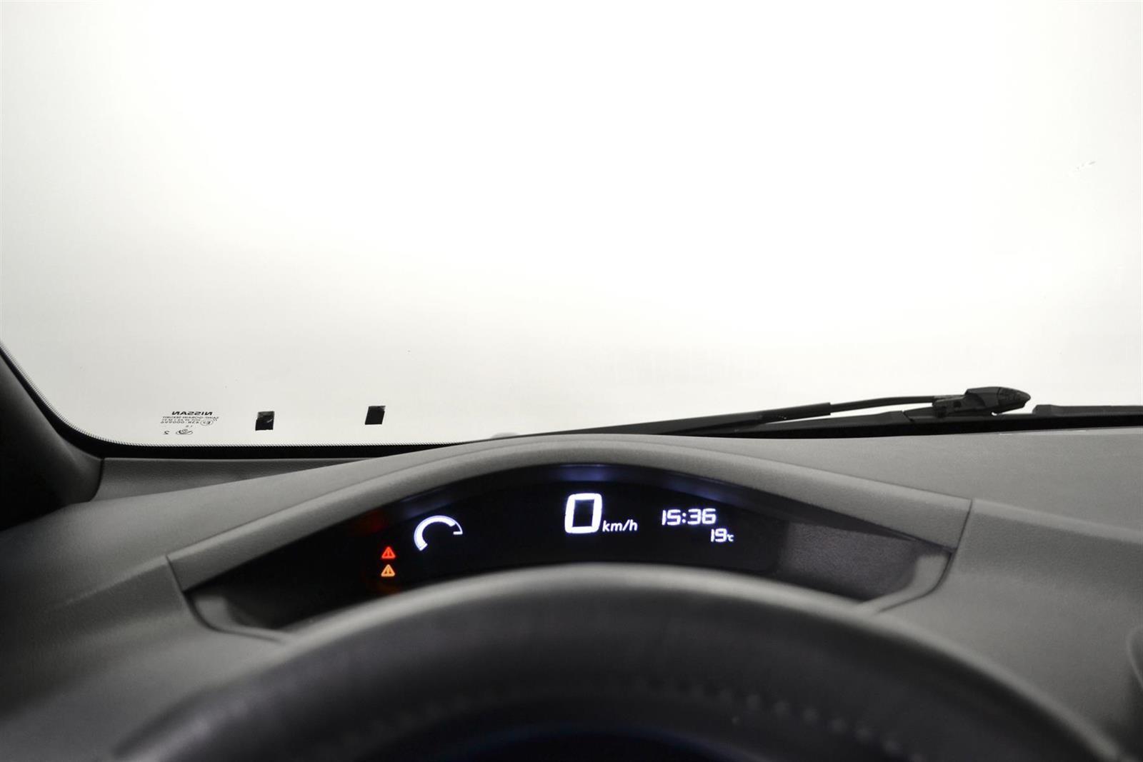 Nissan Leaf Slide 16