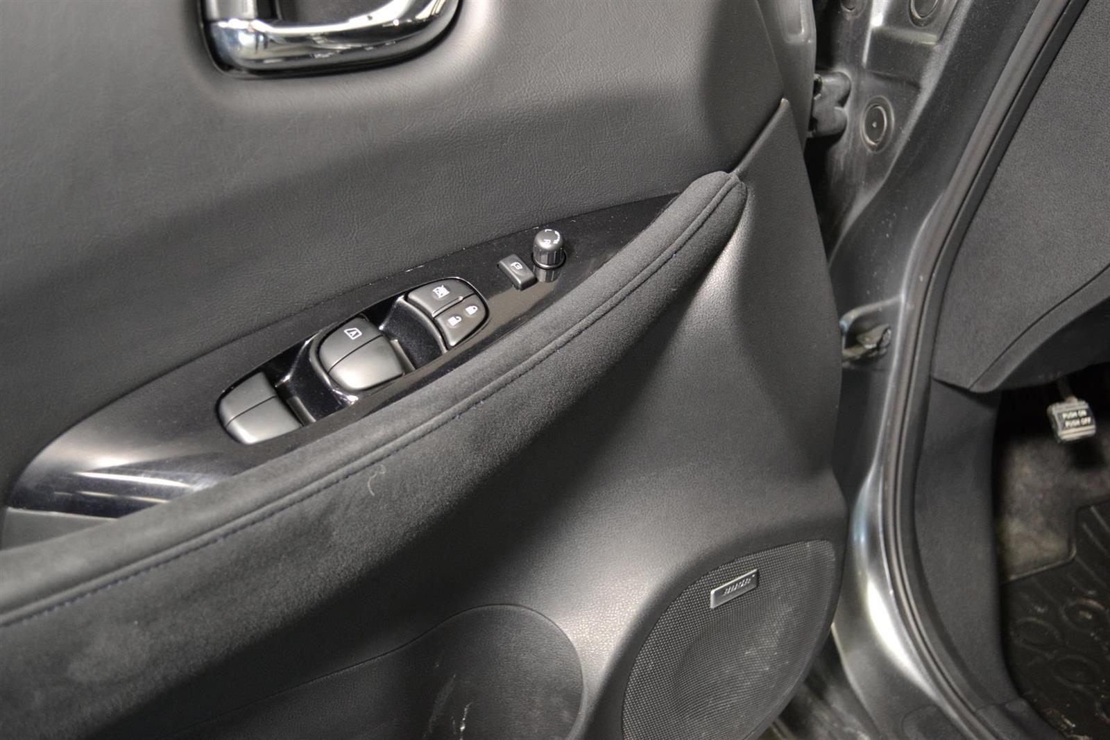 Nissan Leaf Slide 10