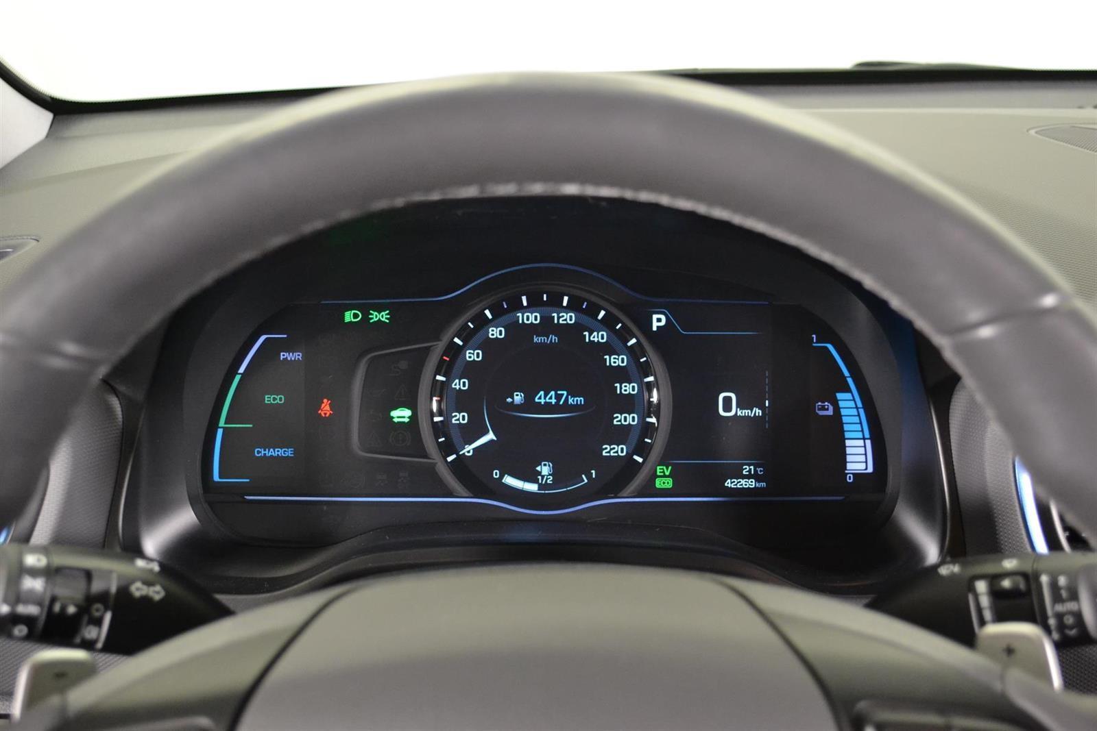 Hyundai IONIQ Slide 17