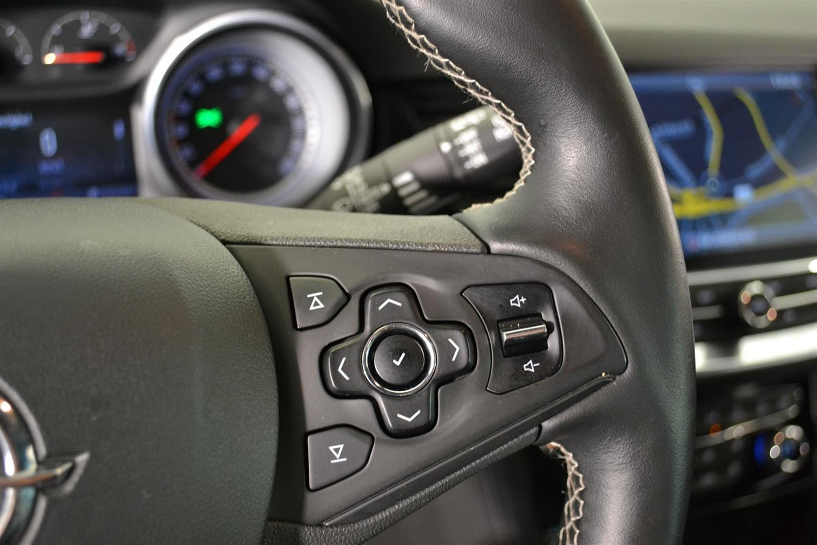 Opel Astra Slide 18