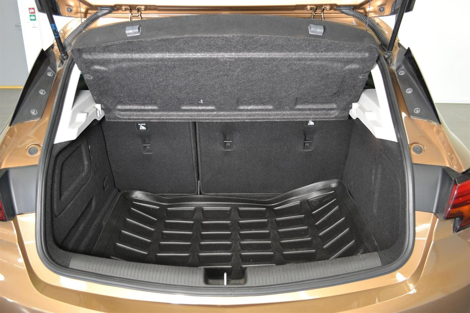 Opel Astra Slide 8