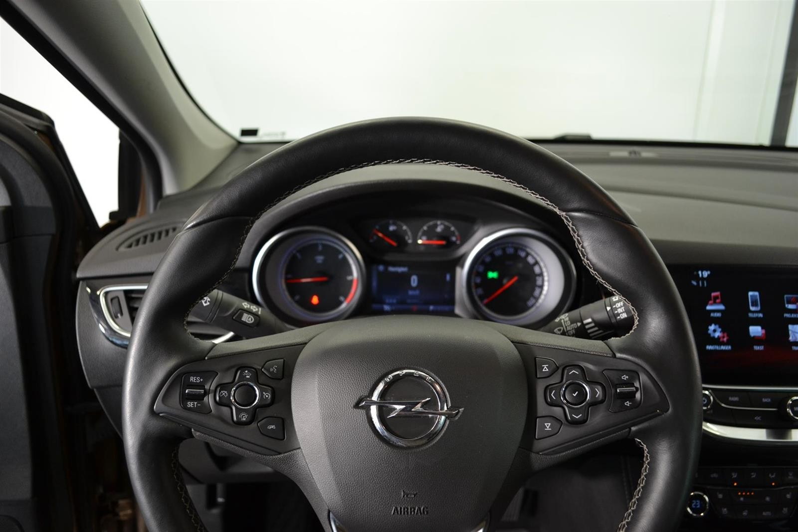 Opel Astra Slide 13
