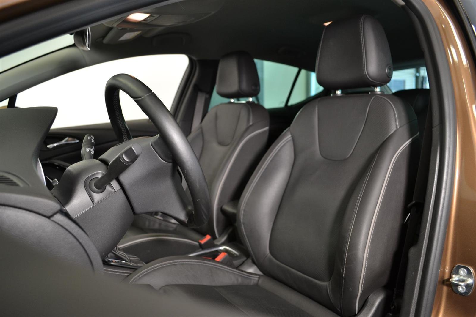 Opel Astra Slide 12