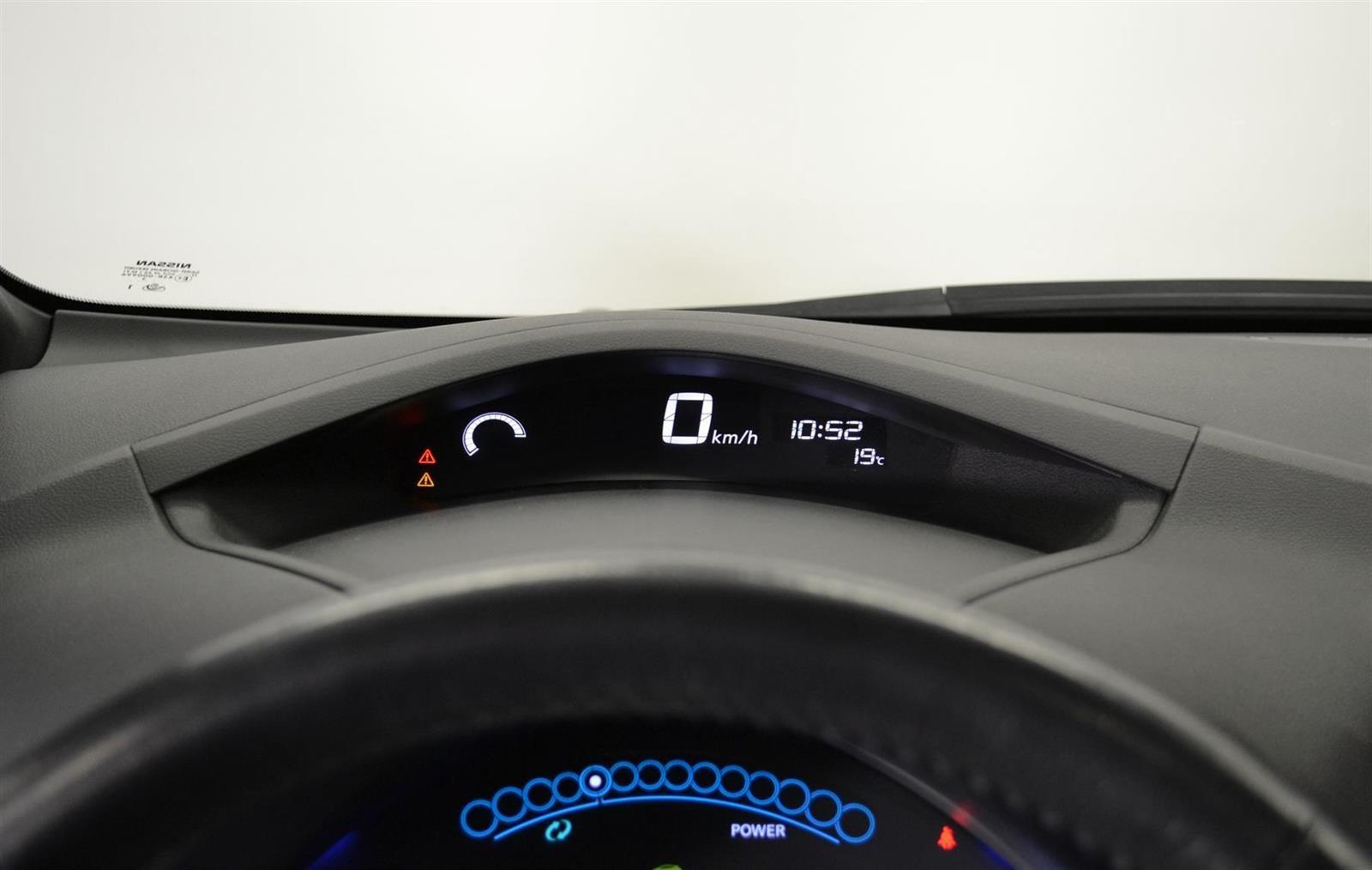 Nissan Leaf Slide 14