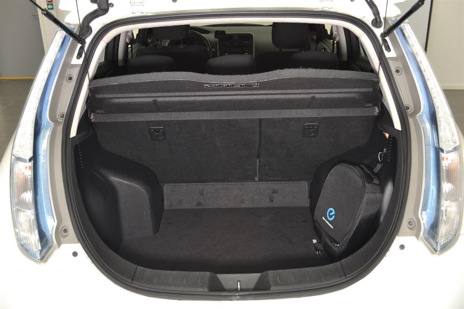 Nissan Leaf Slide 6
