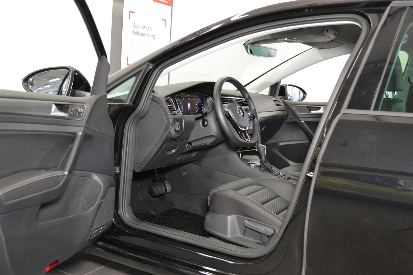 Volkswagen Golf Slide 10