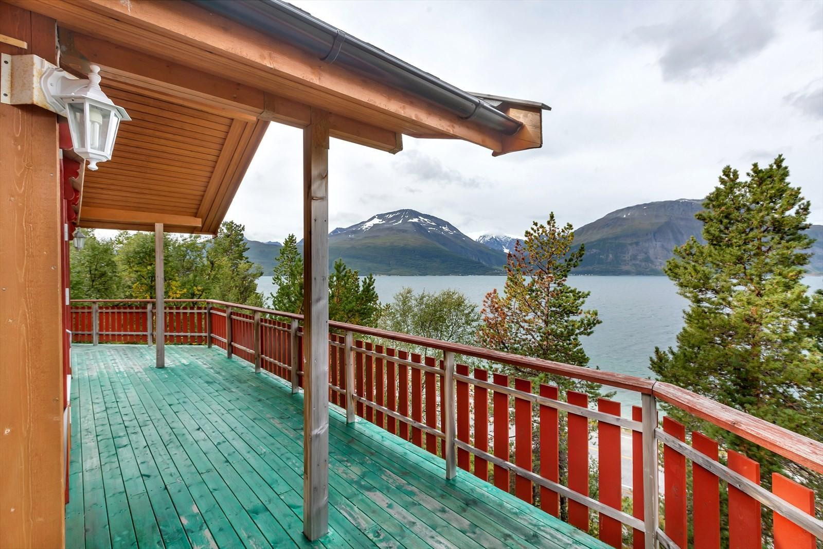 Terrasse mot fjorden