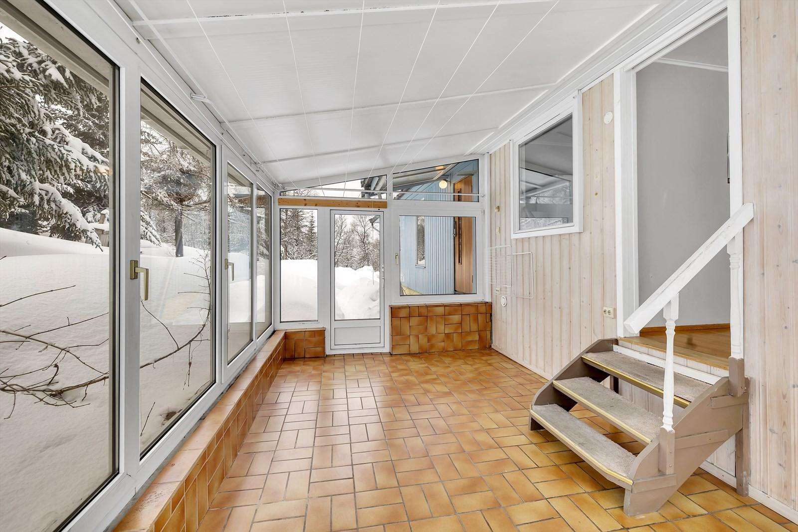 Isolert vinterhage med gulvvarme