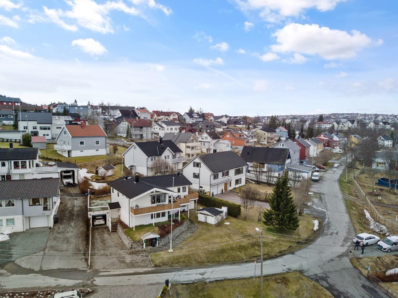Dronefoto mot sør