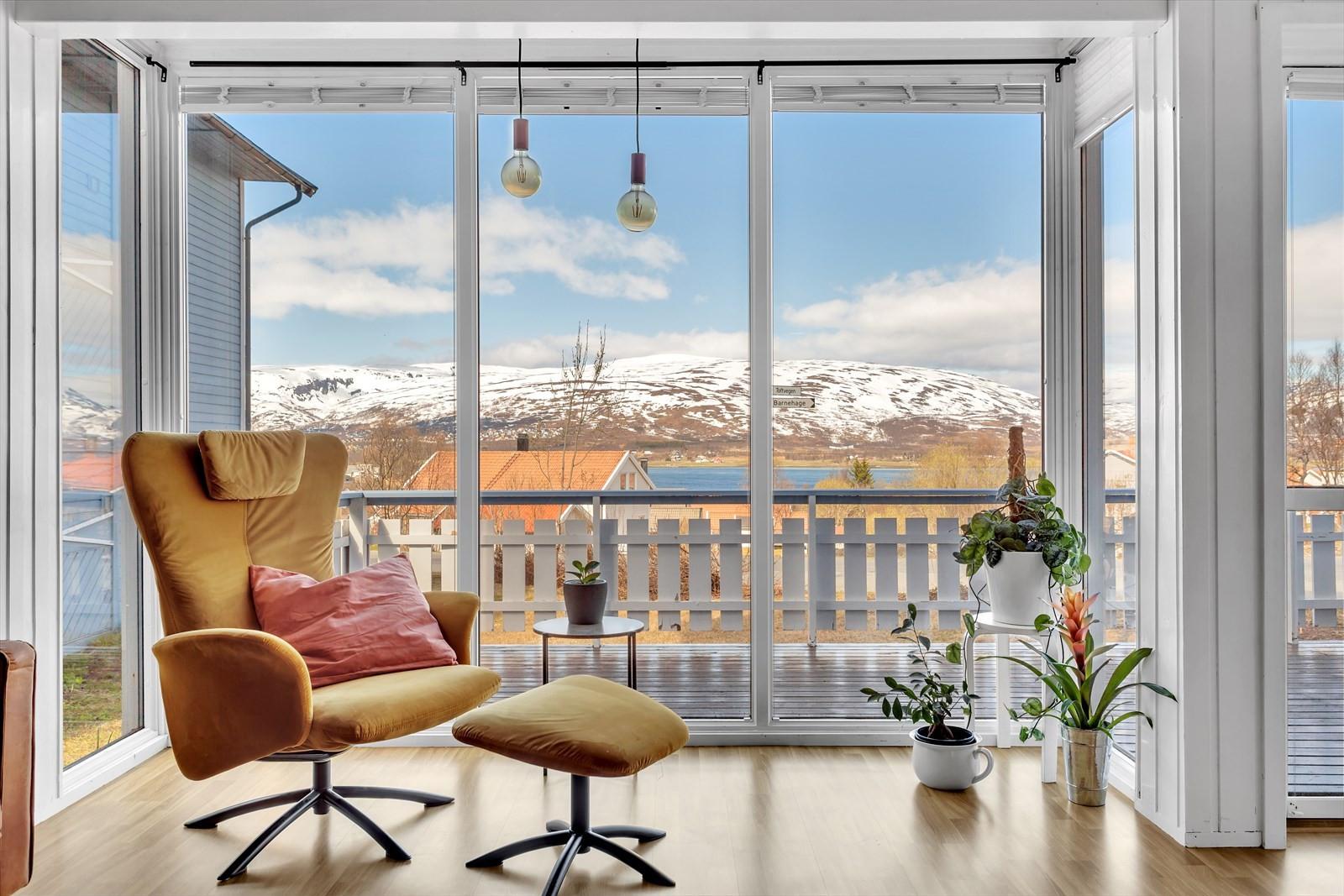 Nydelig utsikt til Kvaløyfjellene.