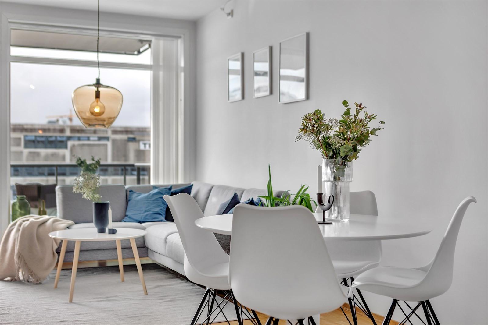 Nydelig og praktisk 2-roms selveierleilighet beliggende fint til med sørvendt terrasse