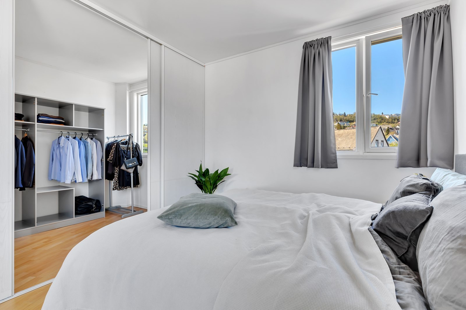 Walk-in-closet kan omgjøres til ett til soverom om ønskelig