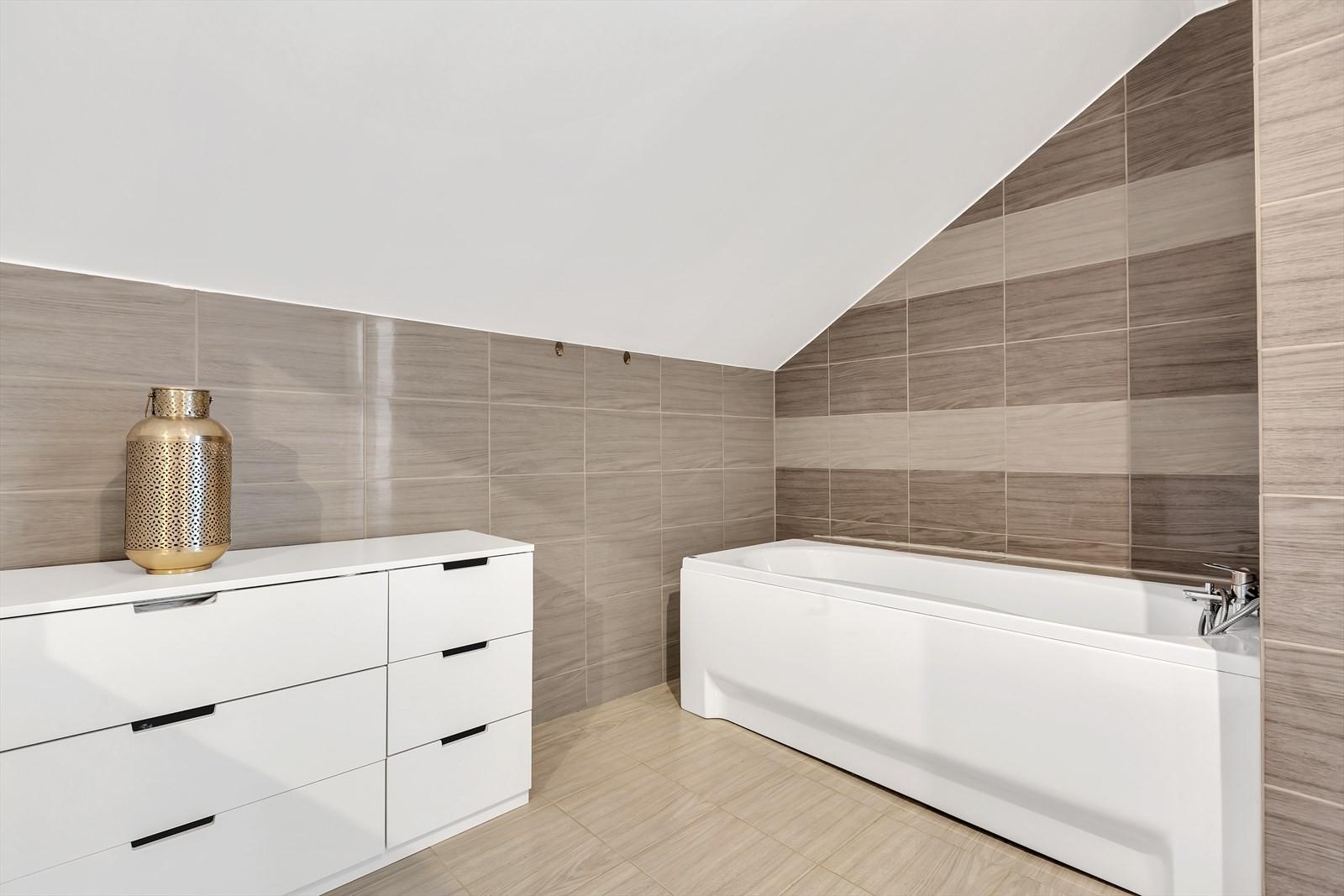 Badekar i badrom 2. etasje.