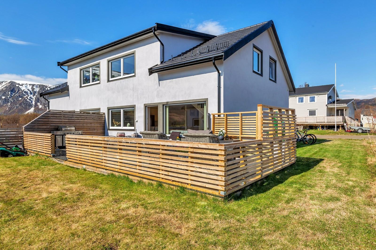 Flott uteområde, nydelig terrasse for solfylte dager!
