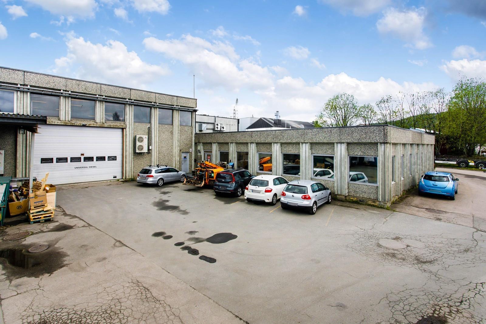 Kjøreport til lager og vinduer til kontor