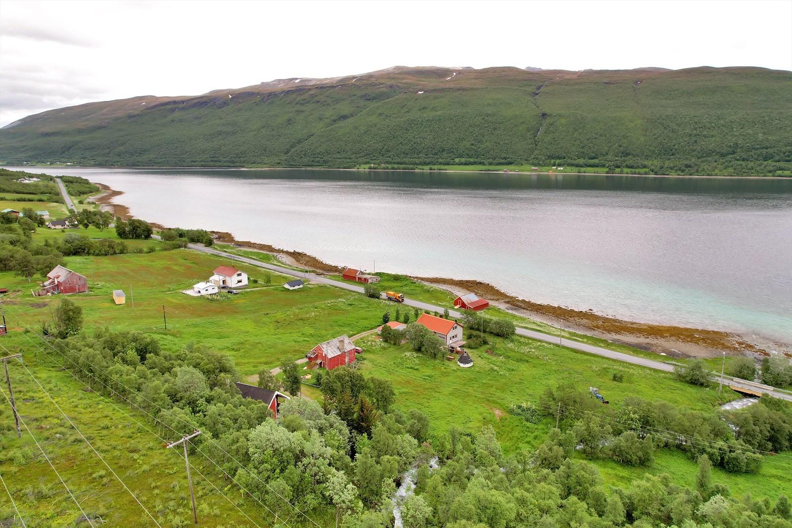 ...og Reinøya på motsatt side.