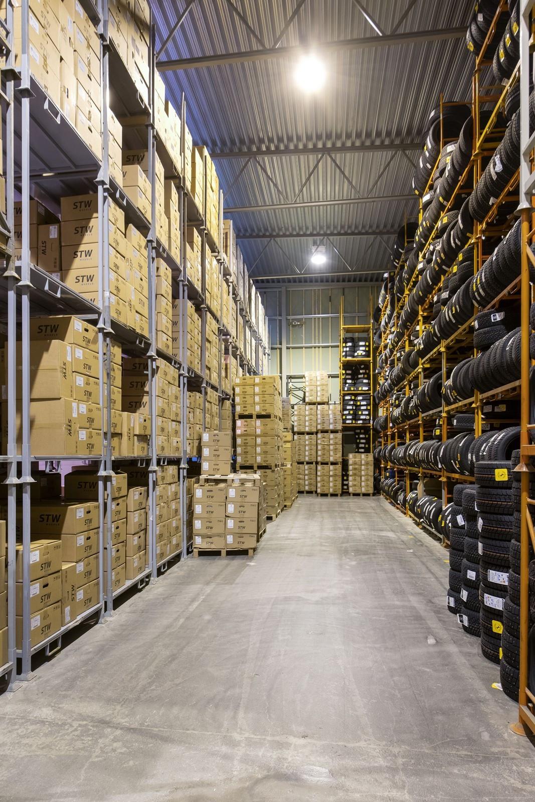 KALDTLAGER ca. 1460 kvm - Reoler i lager kan medfølge etter nærmere avtale
