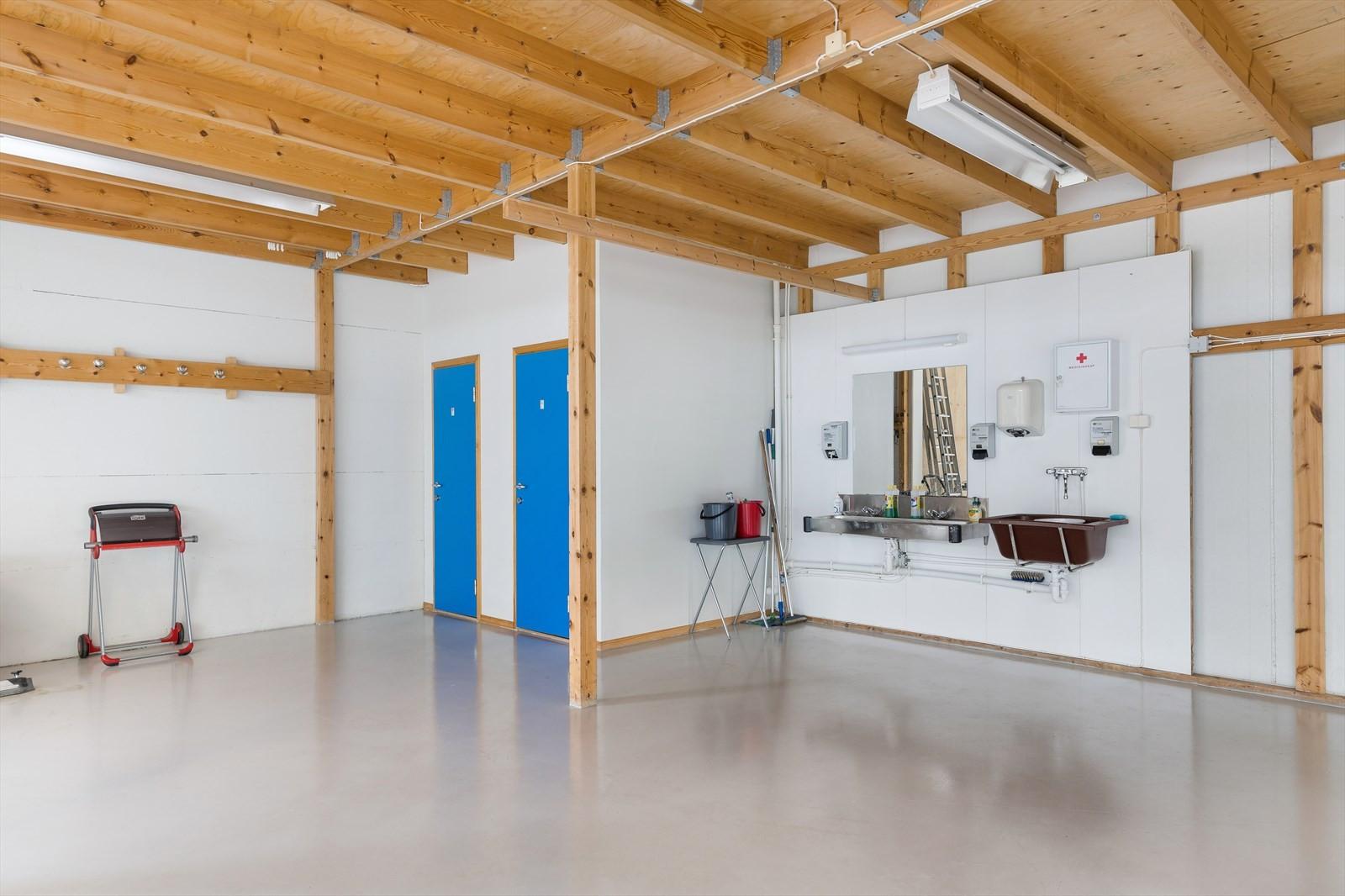 Vaskeområde i hall 1
