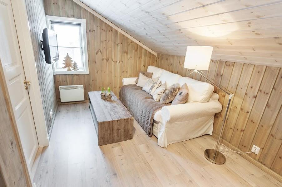 Tv stue i andre etasje. Kunde tilpasset farger