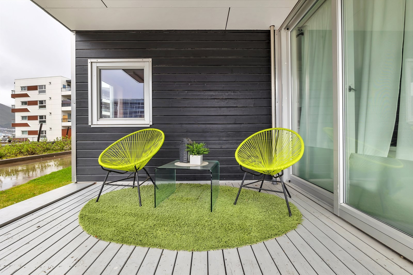 Lun, overbygget terrasse