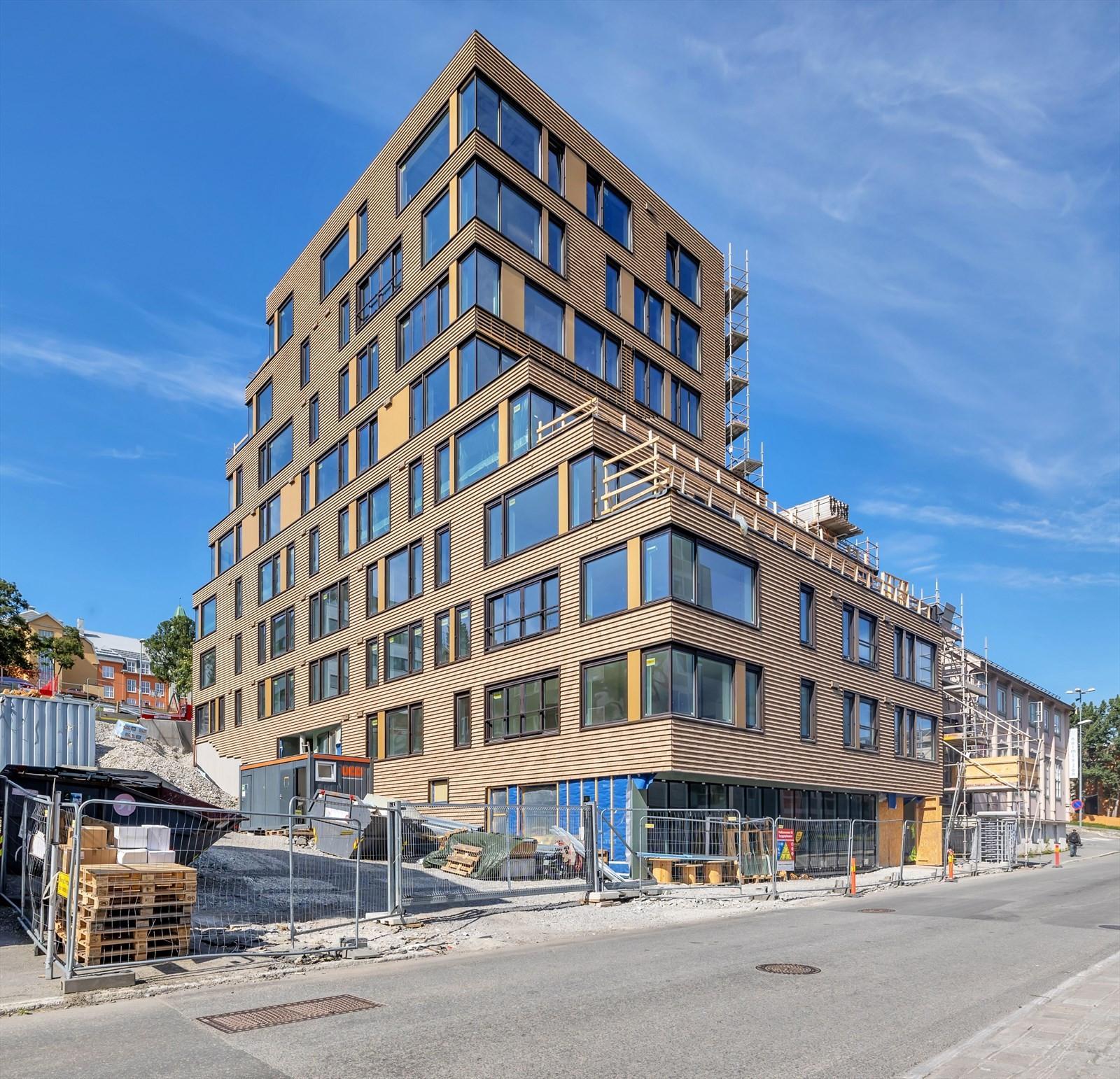 Ny bolig blokk i sentrum med 35 selveierleiligheter - med næringsareal i 1.etasje - Her kommer det noe spennende! adkomst fra syd i 2.etasje og nord mot Kongsparken i 3.etasje