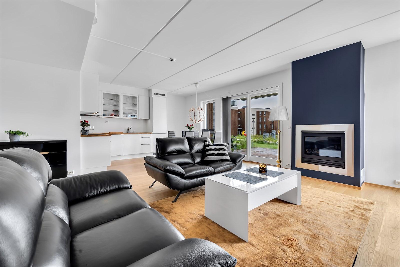 Opprinnelig 3 roms som ble gjort om til stor 2 roms leilighet.