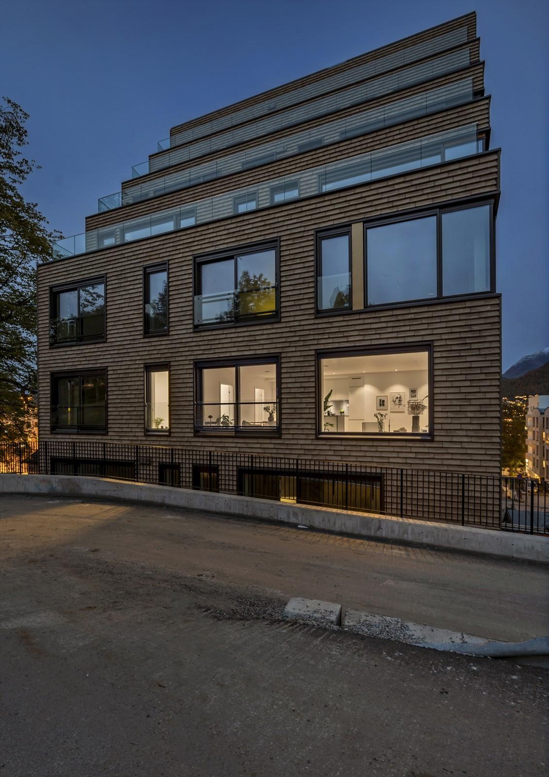 Kveldsstemning på Kongsparken - her fra leilighet 406 som er ferdig innredet og klar innflytting og ny eier