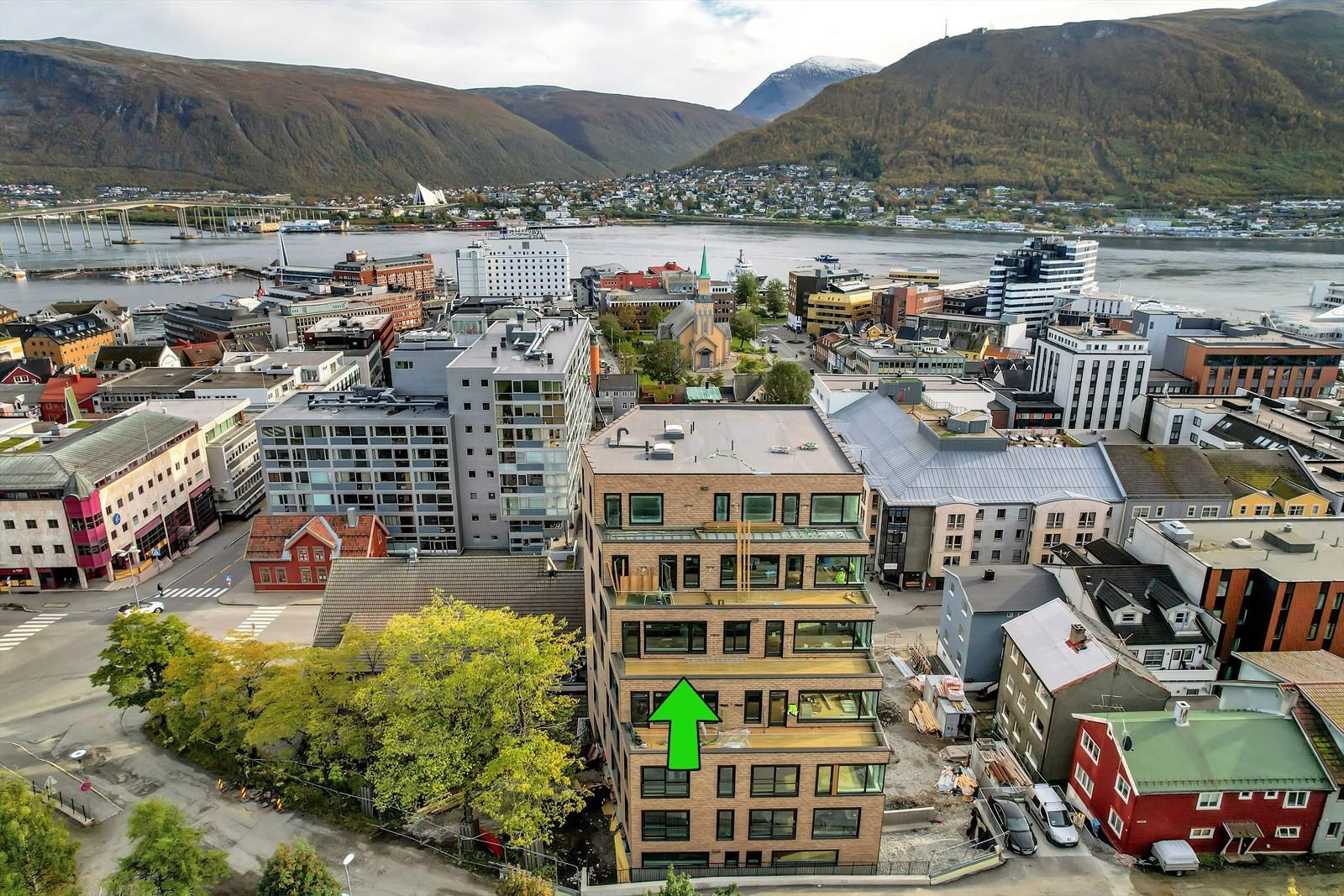Unik leilighet med terrasse på 17 kvm mot vest og Kongsparken