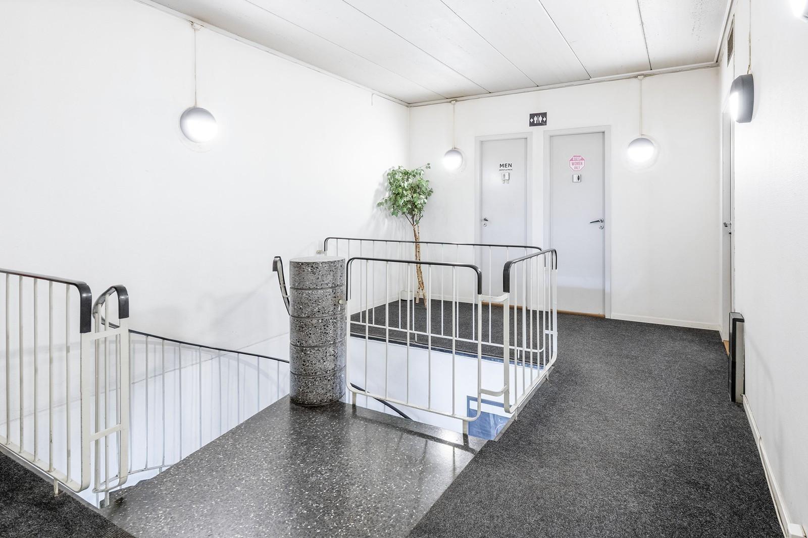 Felles trappegang og toaletter i 2. etasje