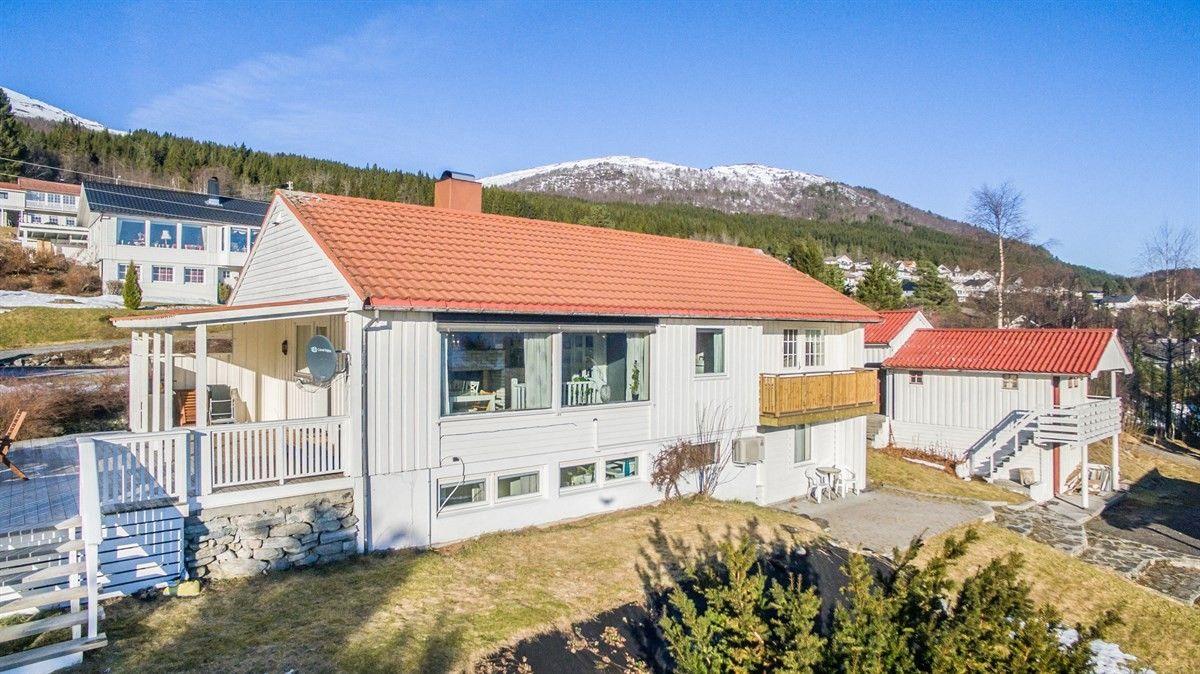 Enebolig - Stranda - 2 550 000,- Aursnes & Partners