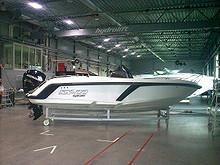 Hydrolift SX-22 med tilpasset båthenger