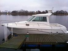 Faeton 27 fot lukket båt m/Yanmar og full av utstyr.