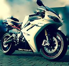 Triumph Daytona 675R **STRØKEN** 2012, 22000 km, kr 120000,-