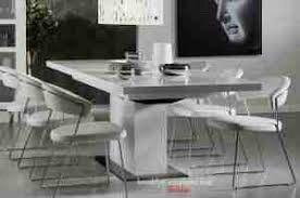 Brooklyn spisebord kvit høyglans - Hareid  - Brooklyn Living spisebord i kvit høyglans. 195x95x75,5. Kjøpt på Skeidar i aug 2013, stått lagra sida aug 2015. Følge med ileggsplate på 45cm. Normale teikn til bruk + eit hakk i bordplata. Må hentast. Bordplate og underdel er seperate de - Hareid