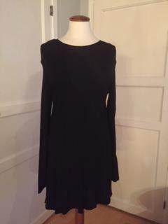 Tunika/kjole fra FLOYD. - Larvik  - Tunika/kjole fra FLOYD. Ikke brukt. Str. M - 38.  Evt. frakt betales av kjøper. - Larvik