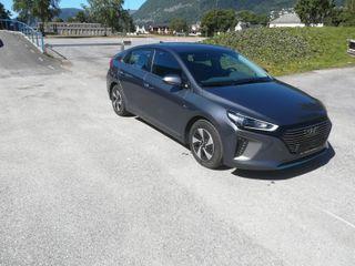 Hyundai Ioniq Teknikk m/ skinn  Hybrid  2017, 19700 km, kr 249000,-