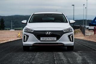 Hyundai Ioniq Premium ADAPTIV CRUISEKONTROLL-KEYLESS-DAB+/NAVI/ LED  2019, 20 km, kr 259900,-