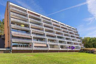 Stor terrasseleilighet med overbygd romslig solrik terrasse - Heis/garasje.