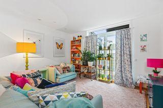 2 roms andelsleilighet med solrik veranda- midt i sentrum av Arendal