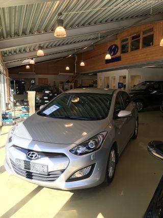 Hyundai i30 1.6 CRDI premium  2014, 61500 km, kr 149775,-