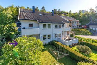 3 roms selveier sentralt på Lunde med hage og solrik terrasse