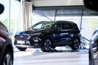 Hyundai Santa Fe 2,2 CRDi 4WD aut Topp model  2018, 16500 km, kr 698000,-