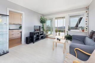 Flott 4-roms leilighet med innglasset balkong-9.etg-Heis-Fantastisk utsikt-Solrik balkong-Sentralt.