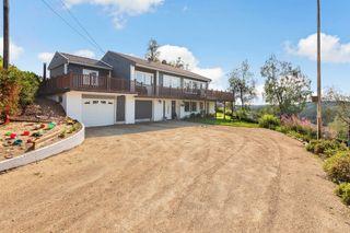 Enebolig med flott utsikt mot Livatnet, dobbel garasje og er delvis oppgradert i et etablert og barnevennlig boligområde