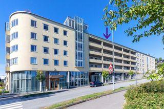 Hovedgårdsparken - 3 roms andelsleilighet med meget gode solforhold i 5.etg - Garasje/heis.