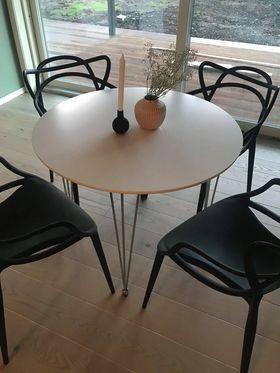 Rundt spisebord fra Jysk | FINN.no